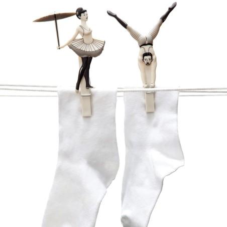 Pegzini family pince cirque