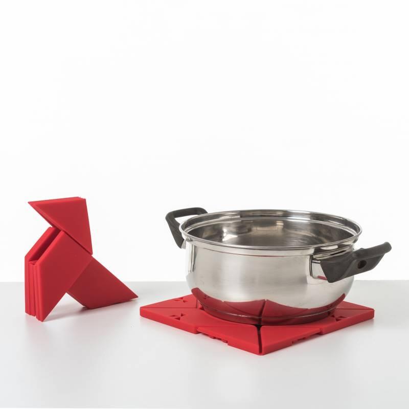 Otorigami est un dessous de plat qui se plie pour devenir une cocotte